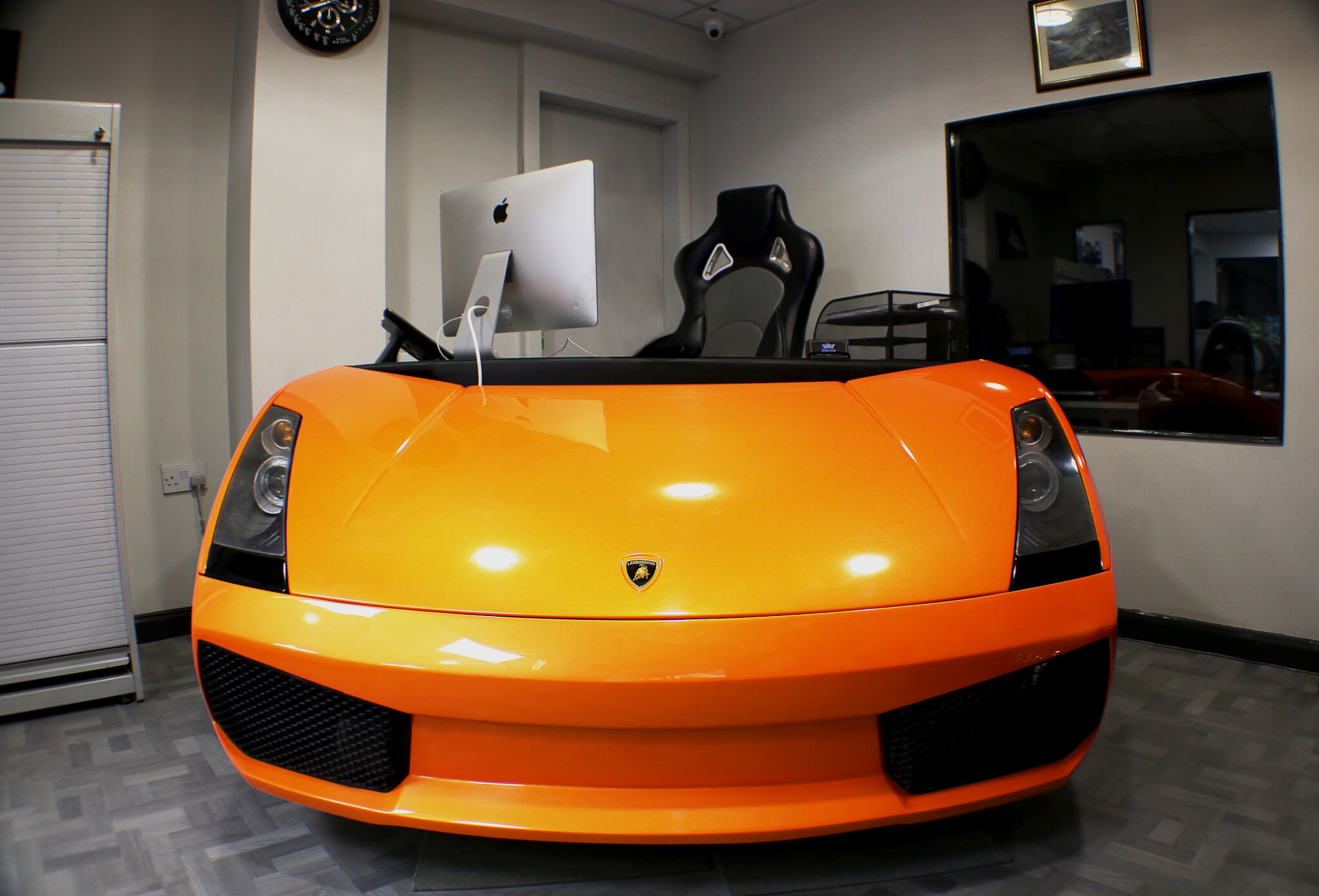 http://www.enkahnz.co.uk/wp-content/uploads/2019/07/nav-lambo-desk.jpg