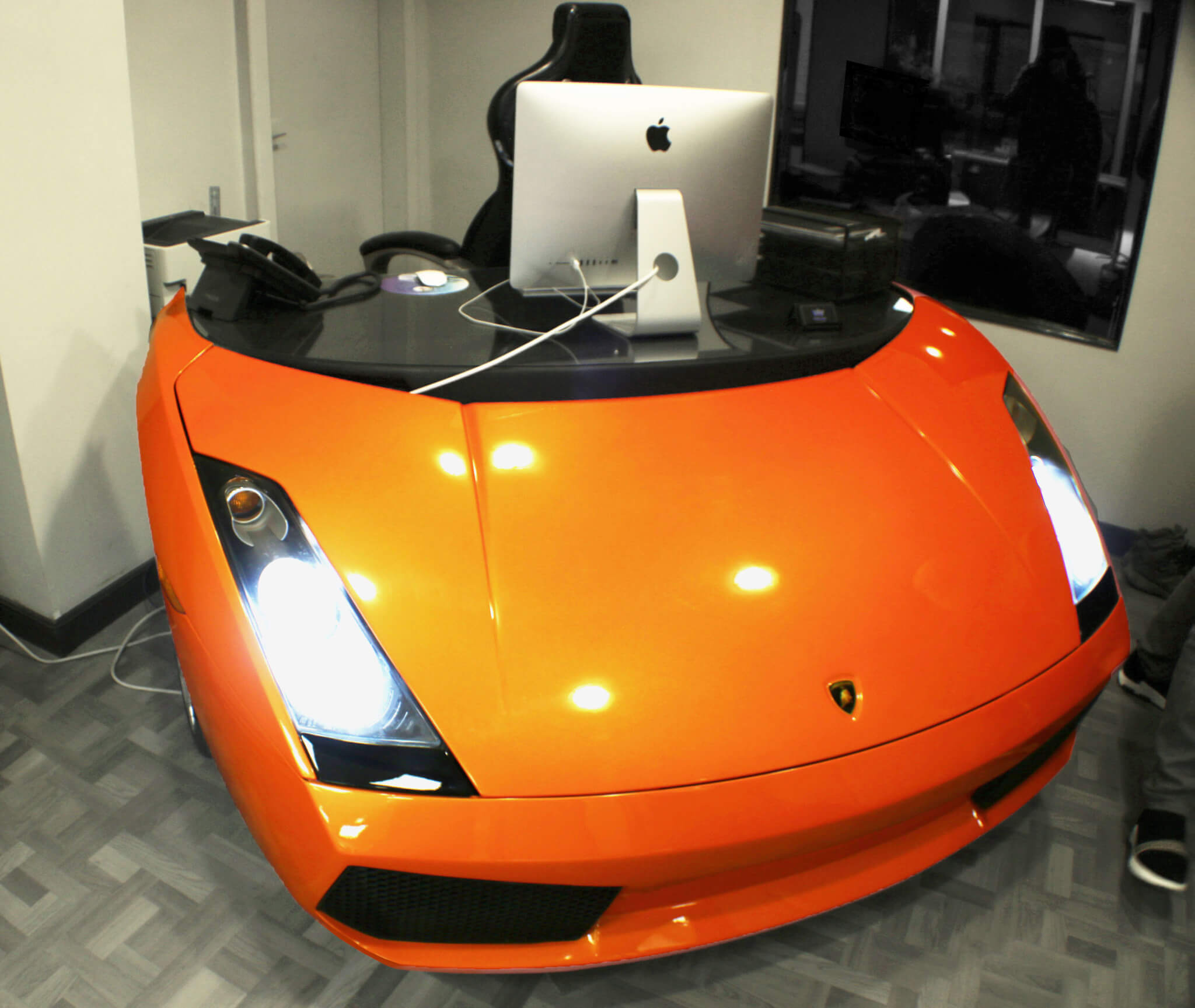 http://www.enkahnz.co.uk/wp-content/uploads/2019/07/nav-lambo-desk1.jpg